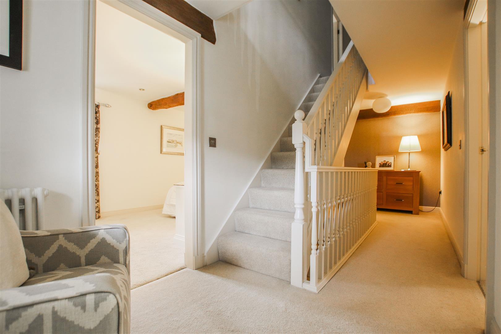 5 Bedroom Semi-detached House For Sale - 19.JPG